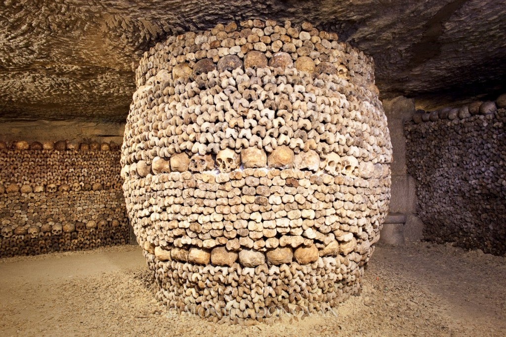 burlington-vermont-photographer-monica-donovan-paris-france-catacombs-bones-skulls-burial-grave