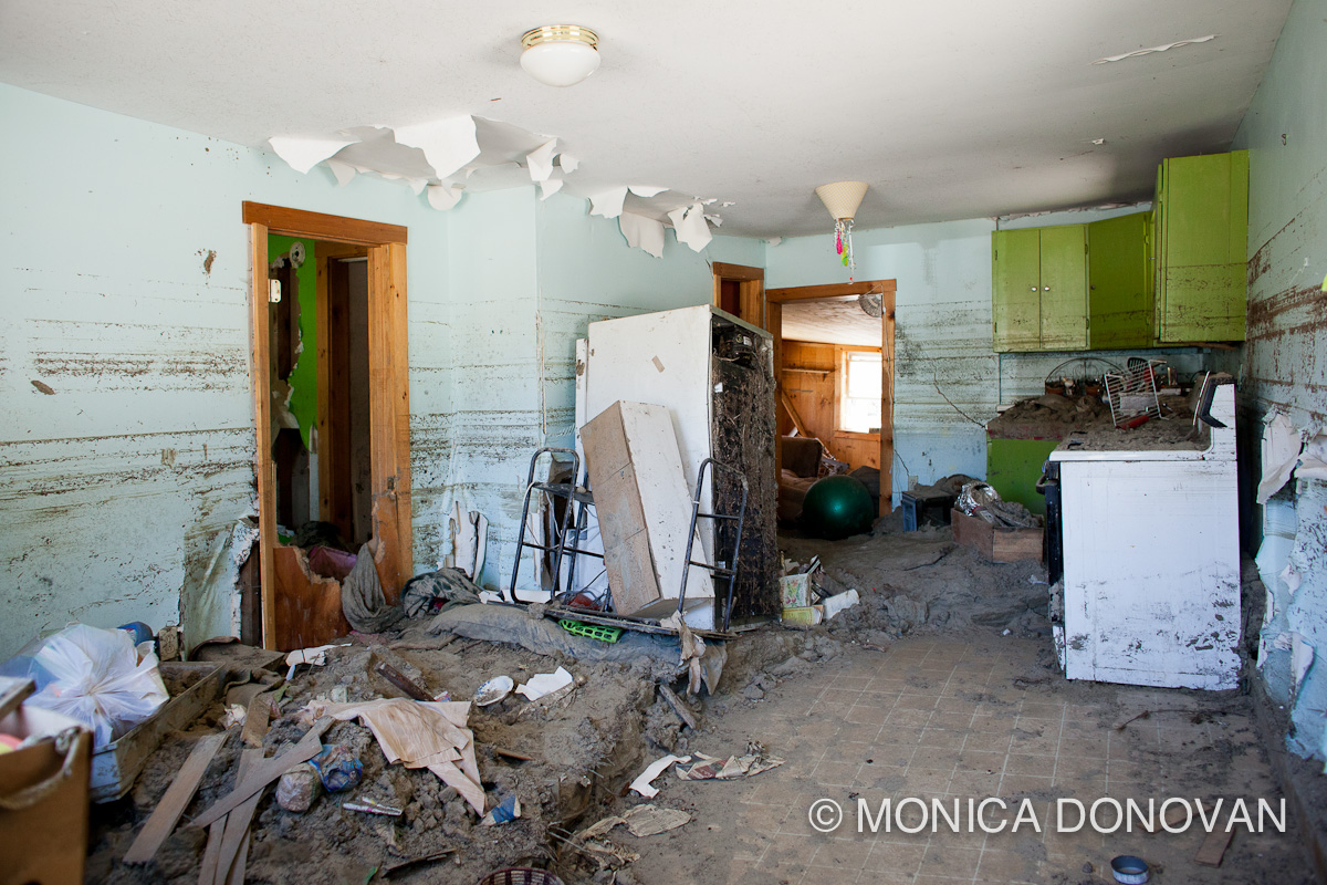 Vermont photojournalist monica donovan photographs hurricane irene damage killington vermont